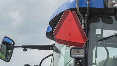 안전 반사판으로 농촌지역의 야간 교통사고 예방